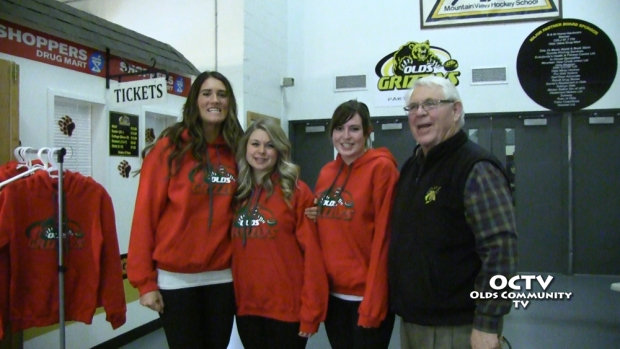 octv-hockey-talk-fashion-show-12-19-2014.Still03201